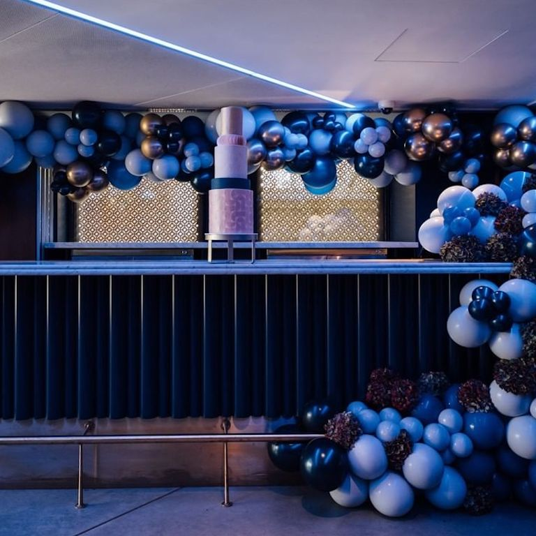 Blue Event Balloons Balloonista