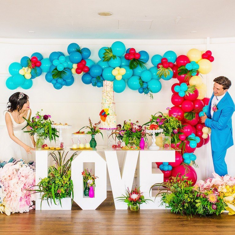Summer wedding balloons