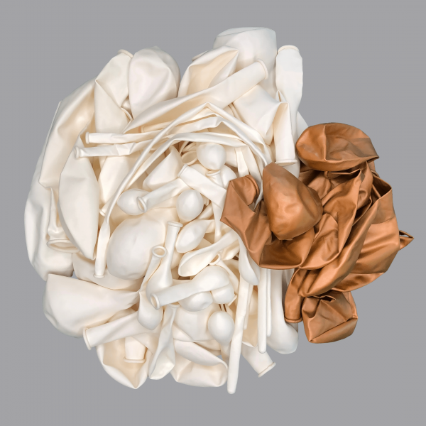 Balloonista White and Chrome Copper balloon kit flat.png