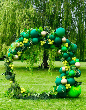 balloonista green balloon hoop misummers night balloon display