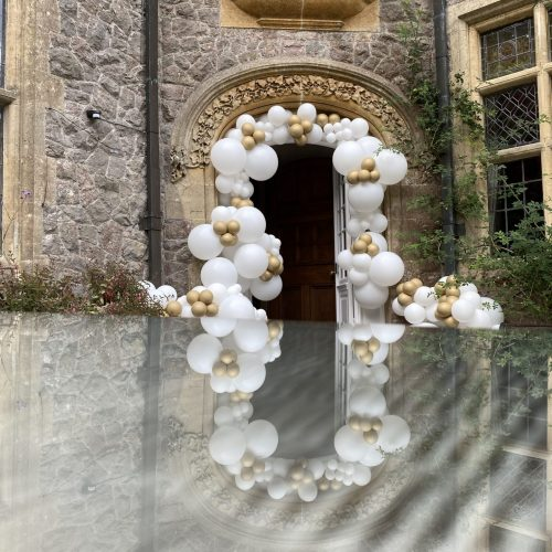 Balloonista Manor Entry Balloon White And Gold Decorations