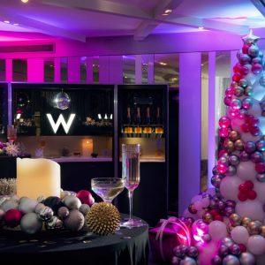 Balloonista Christmas Tree W hotel