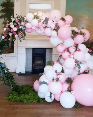 Balloonista white and pink balloon and flower hexagon display